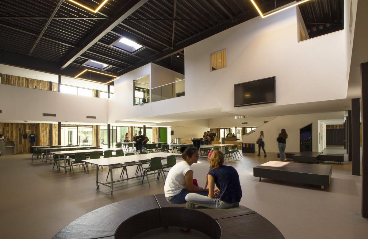 Strabrecht College Geldrop, circulair and open building. Foto Rene Souverijn.